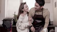 Gaya Mesra Pemotretan Post-Wedding Ifan Seventeen dan Citra Monica, Sederhana. (Instagram/citra_monica)