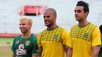 Tiga pemain Brasil di Persebaya, Diogo Campos, David da Silva, dan Otavio Dutra. (Bola.com/Aditya Wany)