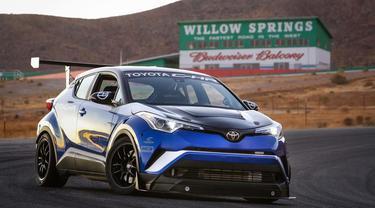 target Toyota C-HR sebagai yang tercepat di Nurburgring (Foto: Autocar)