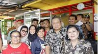 SBY dan Ani Yudhoyono di warung bakso di Gunungkidul, Yogyakarta. (dok.Instgaram @aniyudhoyono/https://www.instagram.com/p/BrOg9Wzh5mt/Henry