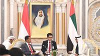 Presiden Jokowi dijadwalkan untuk melakukan pertemuan trilateral dengan Putra Mahkota Abu Dhabi Sheikh Mohamed Bin Zayed dan CEO SoftBank Masayoshi Son. (Liputan6/Biro Pers, Media, dan Informasi Sekretariat Presiden)