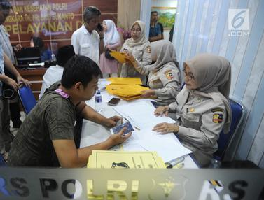 Keluarga Korban Padati Posko Antemortem Lion Air Jatuh