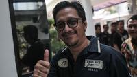 Komedian Andre Taulany mengunjungi pelawak Tri Retno Prayudati alias Nunung Srimulat di Rumah Tahanan Narkoba Mapolda Metro Jaya, Jakarta, Kamis (25/7/2019). Nunung Srimulat ditangkap pihak kepolisian pada 19 Juli lalu bersama suaminya, July Jan Sambiran di kediamannya. (Liputan6.com/Faizal Fanani)