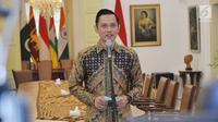 Ketua Kogasma Partai Demokrat Agus Harimurti Yudhoyono(AHY) memberi keterangan usai bertemu dengan Presiden Joko Widodo atau Jokowi di Istana Kepresidenan Bogor, Jawa Barat, Rabu (22/5/2019). AHY datang seorang diri tanpa didampingi politikus Partai Demokrat lainnya. (Liputan6.com/HO/Setkab/Oji)