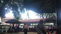 Petugas keamanan Pemilu terus bekerja ekstra demi kelancaran pelaksanaan Pemilu 2019. (Liputan6.com/ Eka Hakim)