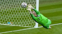 Ada catatan fantastis Timnas Inggris di sepanjang Euro 2020. Ternyata, gawang yang dikawal Jordan Pickford belum pernah kebobolan satu pun gol di turnamen ini. (Foto:AP/Matt Dunham,Pool)
