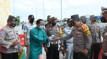 Kakorlantas Polri Irjen Istiono saat meninjau Rest area KM 575, Ngawi, Jawa Timur, Senin (28/12/2020). (Istimewa)