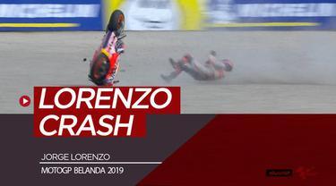 Berita video insiden Jorge Lorenzo crash dan mengalami cedera pada free practice 1 di MotoGP Belanda di sirkuit Assen, Jumat (28/6/2019).