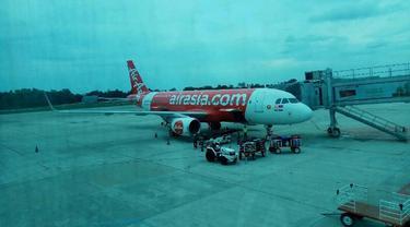 Aktivitas penerbangan di Bandara Pekanbaru.