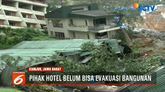 Hingga berita ini diturunkan, pihak hotel belum dapat mengevakuasi banguan yang rusak. Karena belum ada proses perbaikan tebing yang longsor.