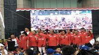 Menteri Keuangan (Menkeu) Sri Mulyani Indrawati hadir pada kegiatan Stock Code Fun Walk yang berlangsung di Bursa Efek Indonesia (BEI), Jakarta, Minggu (13/8/2017).(Liputan6.com/Sri Mulyani