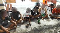Seluruh pelaku judi beserta barang bukti diserahkan ke Polsek Bunaken untuk tindakan lebih lanjut.