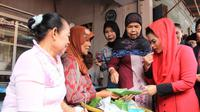 Mengunjungi Pasar Banyuangi, inisajian kuliner yang dicoba Puti Soekarno.