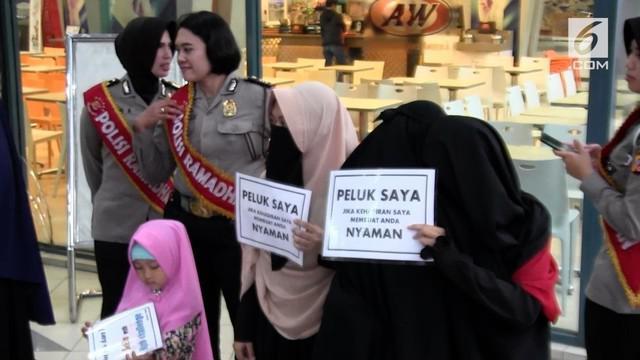 Komunitas kajian Islam bersama Komunitas Sukabumi Ngajihi menggelar acara sosial eksperimen di pusat pertokoan Kota Sukabumi. Salah satunya memberikan pelukan kepada wanita bercadar dan lelaki bercelana cingkrang.