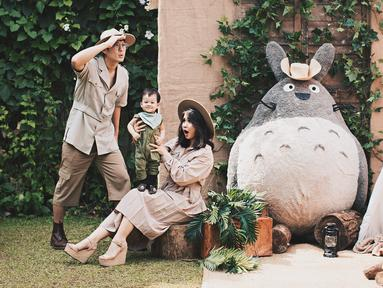 Rumah tangga Putri Titian dan Junior Liem memang dikenal sebagai rumah tangga yang jauh dari kabar miring. Rumah tangga mereka seakan lengkap dengan kehadiran Theodore Lori Liem. (Foto: instagram.com/putrititian)