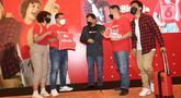 CEO of RedDoorz Amit Saberwal (tengah), didampingi Ikon RedDoorz Dora dan Redi, Head of Marketing RedDoorz Indonesia Irfan Badruzaman dan Director of Hotel Partners Yudhistira dalam konferensi pers peluncuran kembali Kampanye #BisaAja di Jakarta (21/10/2021). (Liputan6.com)
