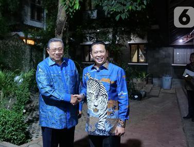 Pimpinan MPR Antar Undangan Pelantikan Presiden ke SBY