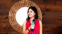 Menurut Fira Basuki, orang-orang Indonesia memiliki kebiasaan untuk melihat kecantikan seorang perempuan dari kulit wajahnya.