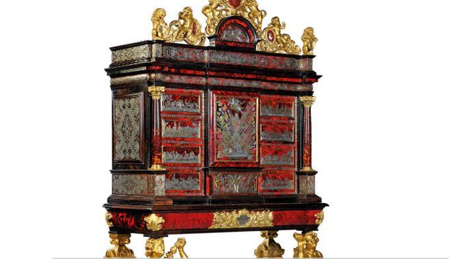 Kabinet antik yang dilelang keluarga Rothschild. Dok: Christie's