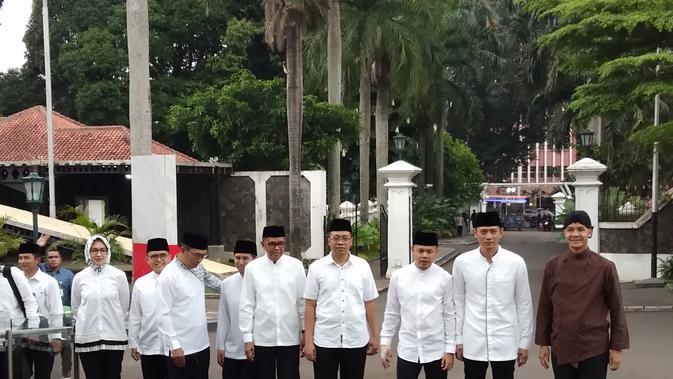 Delapan kepala daerah berkumpul di Museum Kepresidenan Balai Kirti, Bogor Jawa Barat, Rabu (15/5/2019). Hadir juga dua anak mantan Presiden RI, yakni Yenni Wahid dan Agus Harimurti Yudhoyono atau AHY. (Ady Anugrahadi/)