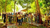 Pelepasan satwa di Taman Wisata Alam Sungai Dumai dalam peringatan Hari Bakti Rimbawan. (Liputan6.com/M Syukur)