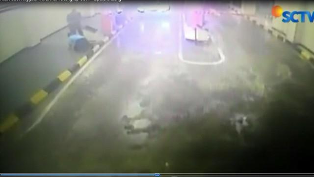 Viral rekama CCTV aksi koboi di mal Jakarta Selatan, pelaku ternyata dokter, dan bukan anggota TNI.