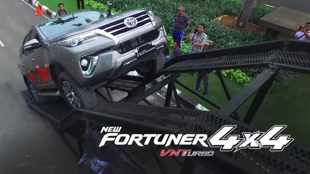 Toyota menguji Mobil All New Fortuner dengan mesin baru yang membuat SUV ini lebih irit bahan bakar.