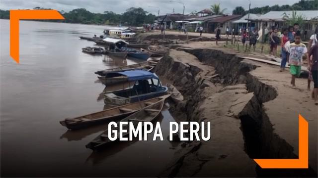 Peru diguncang gempa berkekuatan magnitudo 8. Gempa terjadi Minggu dini hari dan menyebabkan sejumlah kerusakan.