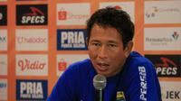 Kiper Persib Bandung, I Made Wirawan. (Bola.com/Erwin Snaz)