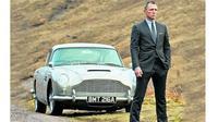 Aston Martin DB5 yang dipakai dalam film James Bond 'Skyfall' (telegraph)