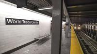 Kereta pertama tiba di stasiun yang dibuka kembali setelah 17 tahun. (Metropolitan Transportation Authority/MTA)