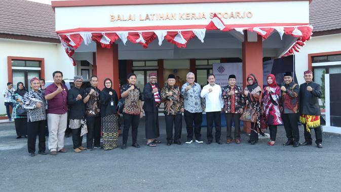 Perkuat mutu pelatihan vokasi, Kementerian Ketenagakerjaan meresmikan 4 Balai Latihan Kerja (BLK) baru. Keempat BLK tersebut adalah BLK Sidoarjo, BLK Banyuwangi, BLK Belitung, serta BLK Pangkajene dan Kepulauan (Pangkep).