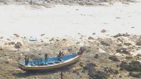 Pada 2006, dua orang nelayan terbunuh ketika kapal mereka hanyu terlalu dekat ke pulau Sentinel. (Sumber pasukan penjaga pantai India)