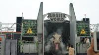 "Live action show 'Jurassic World: Roar!"" di Universal Studio Singapura (Liputan6.com/Novi Nadya)"