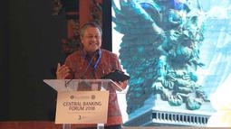 Gubernur BI Perry Warjiyo menjawab pertanyaan dalam sesi Central Banking Forum 2018 di IMF-WB Group 2018, Bali, Rabu (10/10). Forum tersebut membahas berbagai isu perekonomian terutama kebijakan moneter dan pertumbuhan ekonomi. (Liputan6.com/Angga Yuniar)