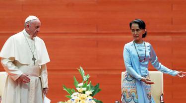 Paus Fransiskus Bertemu Suu Kyi di Myanmar