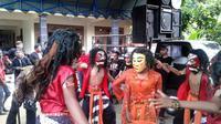 Tarian dongkrek, kesenian khas Madiun, Jawa Timur. (Liputan6.com/Dian Kurniawan)