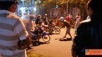 Citizen6, Jakarta: Jalan Juanda jadi ajang balapan liar pada malam hari. Biasanya balapan liar sering terjadi pada hari Sabtu. (Pengirim: Tito)