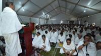 Menteri Agama Lukman Hakim Saifuddin memberikan sambutan saat puncak wukuf di Arafah. (www.kemenag.go.id)