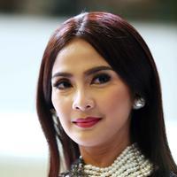 Saat ditemui di Kawasan Senayan, Jakarta Pusat, Rabu (20/4) ia berharap semakin banyak Kartini muda mengerjakan sesuatu dengan sukarela. (Nurwahyunan/Bintang.com)