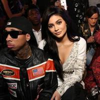Tidak main-main, kabarnya rencana pernikahan Kylie Jenner dan Tyga ini tengah dalam proses persiapan. Meskipun pihak keluarga Kardashian belum memberikan pernyataan secara resmi sampai saat ini. (AFP/MONICA SCHIPPER / GETTY IMAGES NORTH AMERICA)