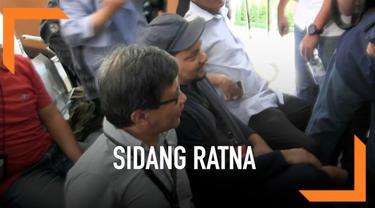 Sidang lanjutan Ratna Sarumpaet kembali digelar di PN Jakarta Selatan. Kali ini Rocky Gerung dan Tompi dihadirkan Jaksa sebagai saksi persidangan.