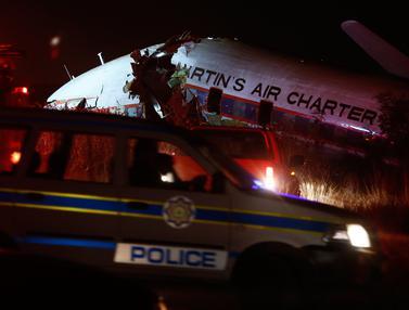 Pesawat Jatuh di Afrika Selatan