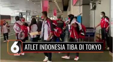 Kloter ketiga Atlet Olimpiade Indonesia telah tiba di Tokyo, Rabu pagi waktu setempat. Lifter Indonesia, Deni, mengatakan di tengah pandemi, ia tetap tekun berlatih.