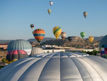 Semarak Festival Balon Udara Terbesar di Eropa