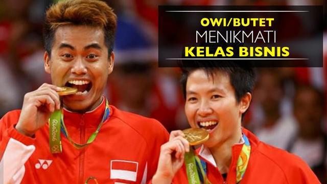 Video Tontowi Ahmad dan Liliyana Natsir menuju Indonesia usai meraih medali emas Olimpiade Rio 2016 dengan pesawat kelas bisnis.