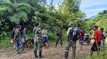 Prajurit TNI Koopsgabssus Tricakti menembak mati dua orang kelompok teroris Mujahidin Indonesia Timur (MIT) Poso.