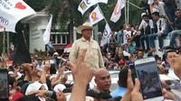 Kampanye Prabowo Subianto dipadati puluhan ribu para pendukungnya di Plasa BKB Palembang (Liputan6.com / Nefri Inge)