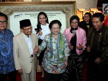 Bersama BJ Habibie, Megawati Hadiri Dialog Iptek