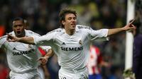 Antonio Cassano memperkuat Real Madrid selama dua musim (2006-2008). Namun, Cassano tidak pernah mendapatkan kepercayaan untuk mengisi posisi inti Los Merengues yang memang bertabur bintang. ((AFP/Philippe Desmazes)